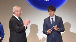 【全国第1位】VW西宮 上田颯人がセールス部門で2つの賞を受賞。「Volkswagen Award 2019」